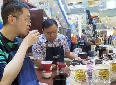 Le café indonésien s'empare d'une transaction potentielle de 10.000 de dollars américains à Los Angeles