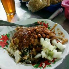 TAHU TEPOという東ジャワ州NGAWI地区の料理の一つ