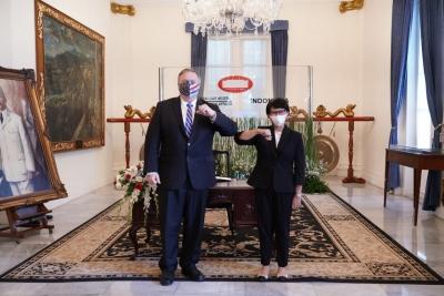 外交部长鼓励美国公司投资印尼