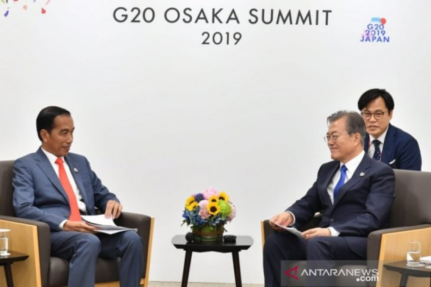 President Joko Widodo and South Korean President, Moon Jae-in, held a meeting in the sideline of the G20 Summit in Osaka, Japan, on Friday, 28 June 2019